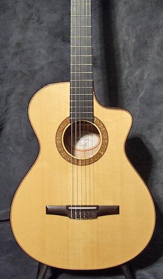 guitare village guitare acoustique d 39 occasion taylor. Black Bedroom Furniture Sets. Home Design Ideas