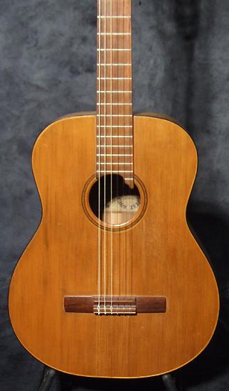occasion guitare village levin guitare acoustique d 39 occasion. Black Bedroom Furniture Sets. Home Design Ideas