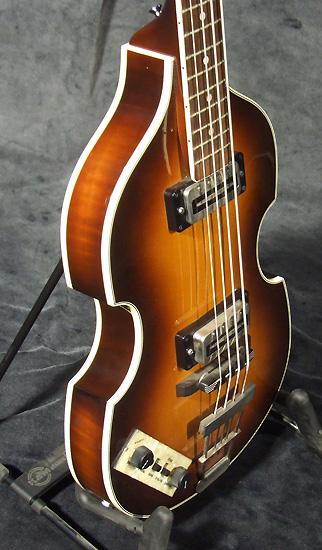 occasion guitare village hofner bass guitares basses d. Black Bedroom Furniture Sets. Home Design Ideas