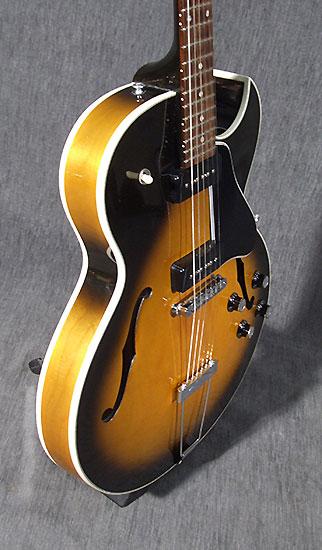 occasion guitare gibson es 135 de 1994 guitare rock d 39 occasion. Black Bedroom Furniture Sets. Home Design Ideas