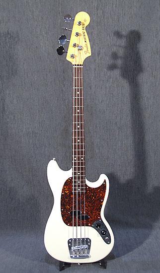 occasion guitare basses fender mustang bass made in japan guitare village domont 95. Black Bedroom Furniture Sets. Home Design Ideas